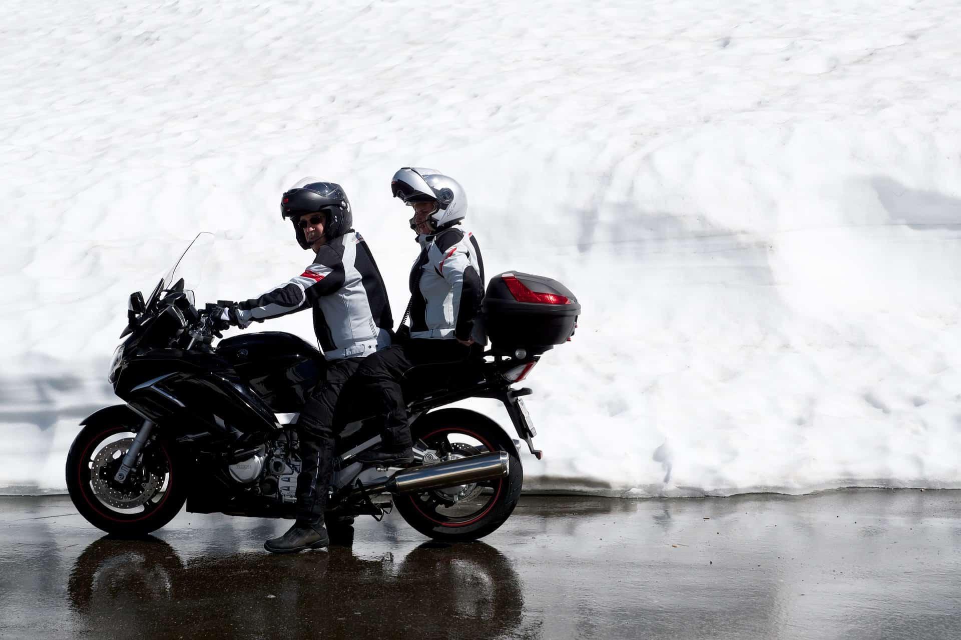 Jazda motocyklem zimą – krótki poradnik