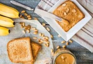 posiłek - banany masło orzechowe