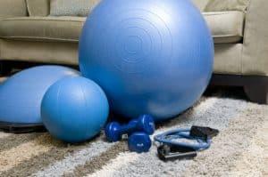 Trening siłowy wsportach wytrzymałościowych - sprzęt doćwiczenia siłowych wdomu