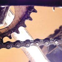 Czyszczenie łańcucha rowerowego