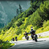 Jazda motocyklem wgrupie