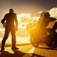 Jazda motocyklem wczasie upału
